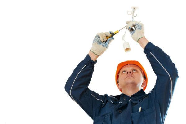 Когда необходимо пользоваться услугами частного электрика? Электрик на дом