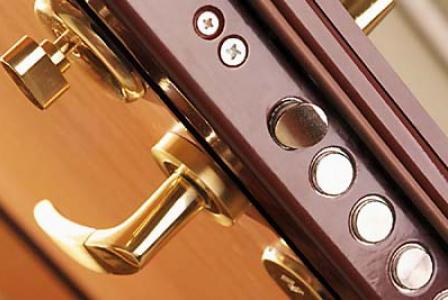 Виды дверных замков: особенности, характеристики, преимущества