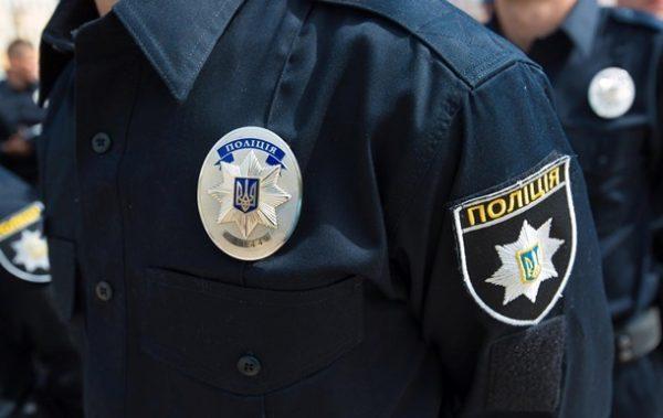 В Луцке местные жители поймали и избили полицейскую