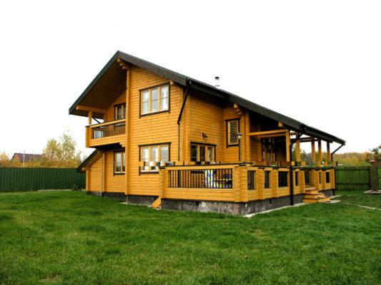 Достоинства домов из сруба