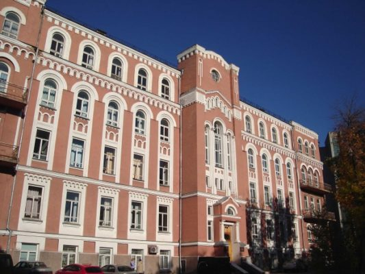 Александровскую больницу в Киеве намерены вновь переименовать