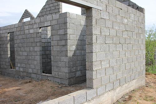 Особенности и преимущества строительства домов из керамзитобетонных блоков