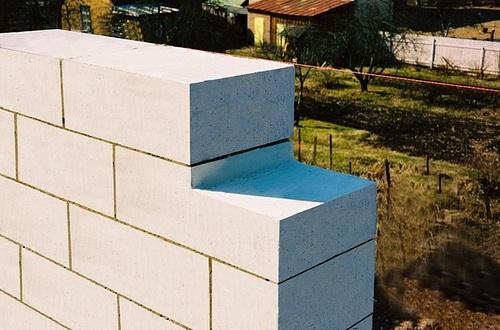 Преимущества газосиликатных блоков, а также возможности их использования