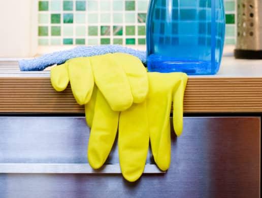 Что входит в уборку квартиры профессионалами
