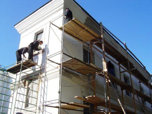 Как происходит реставрация и ремонт зданий?