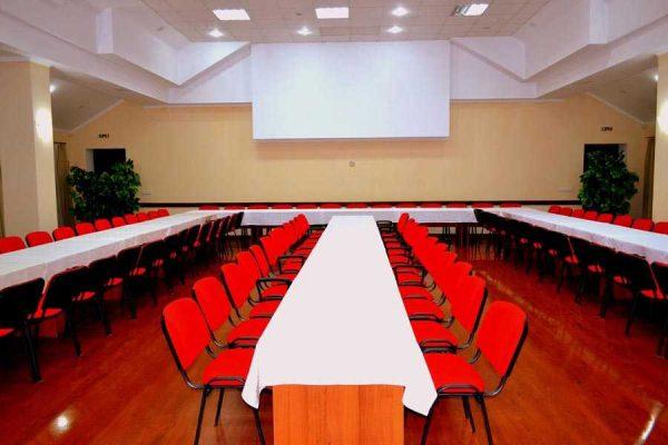 Главные преимущества и особенности аренды конференц-залов