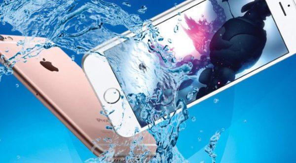 """Ремонт iPhone после """"встречи"""" с водой"""