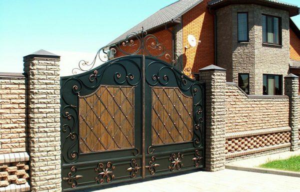 Где можно заказать качественные кованые ворота?