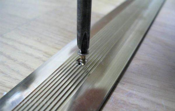 Стыковочные профили - декоративный элемент для стыков напольного покрытия