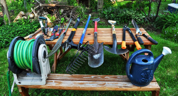 На что необходимо обращать внимание при выборе садового инвентаря