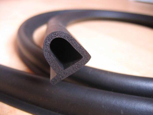 Резиновые уплотнители для окон: преимущество использования и монтаж