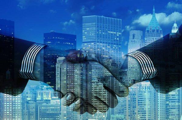 Что следует знать при покупке или продаже недвижимости через посредника.